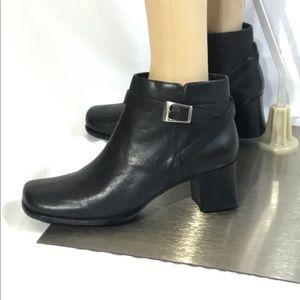 Covington Frances Black Leather Ankle Boots NWOT